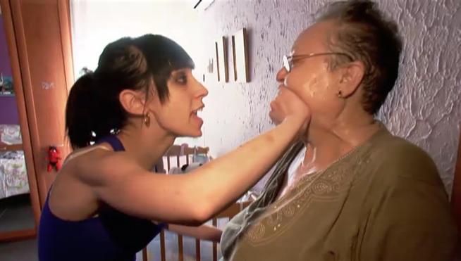 Fanny-ataca-abuela-da-extensiones_MDSVID20130131_0098_3 (1)